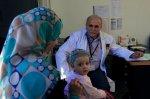 pediatra z dzieckiem