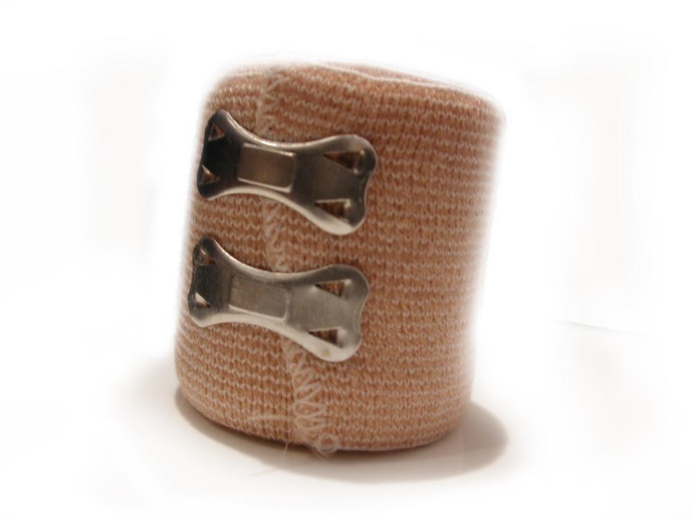 bandaż z apteczki pierwszej pomocy