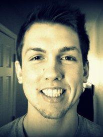 zęby, uśmiechniety chłopak